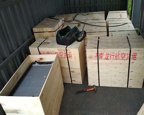 中冷木箱安全包装